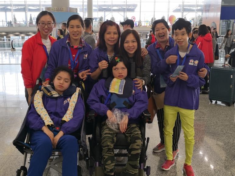 「夢飛行2018」是一個助殘疾家庭圓夢的慈善飛行之旅,由香港「IN義工團」籌辦,主辦單位安排隨團醫護團隊及服務義工陪同及支援,共接近170人參與。活動的服務對象主要為從未乘搭飛機並來自基層家庭的殘疾兒童及青少年,申請家庭需經過大會面談及甄選,確認參加資格和參與旅程。是次活動本校共有3個基層家庭成功獲取錄,於12月1日至3日首次乘搭飛機,體驗飛行,進行台南三日兩夜之旅。
